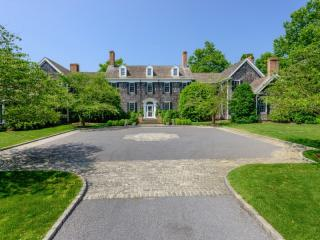 221 Church St, Bridgehampton, NY 11932