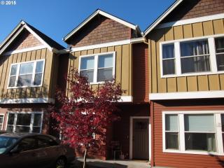 4411 NE Killingsworth St #107, Portland, OR 97218