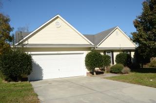 526 Raintree Rd, Jacksonville, NC 28540
