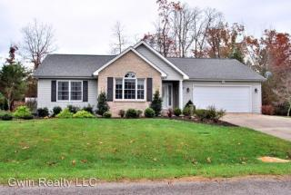27 Brooks Ln, Crossville, TN 38558
