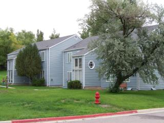 1122 Canyon Hills Rd, Thermopolis, WY 82443