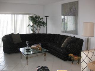 4200 Hillcrest Dr #602, Hollywood, FL 33021