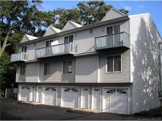 31 Meloy Rd #2B, West Haven, CT 06516