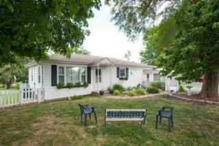 2432 N Farm Rd #199, Strafford, MO 65757