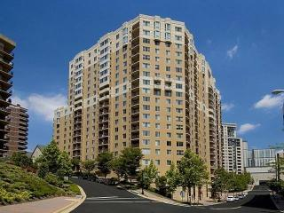 1320 N Veitch St, Arlington, VA 22201