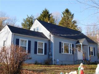 244 Evergreen Avenue, Hamden CT