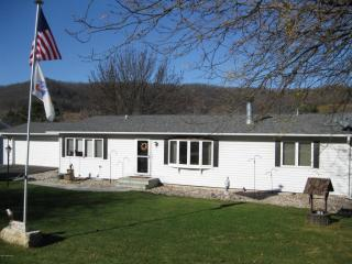 45516 County Road 12, Dakota, MN 55925