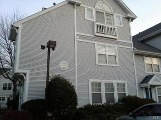 1 Southfield Ave #113, Stamford, CT 06902