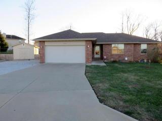 3838 W Greenway Dr, Springfield, MO 65807