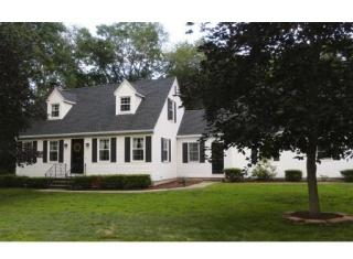 9 Maple Road, Enfield CT