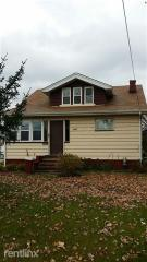 7287 York Rd, Parma Heights, OH 44130