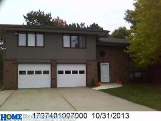 740 Cottonwood Dr, Lincoln, NE 68510