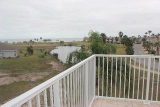 2 Laguna Madre Dr, Laguna Vista, TX 78578