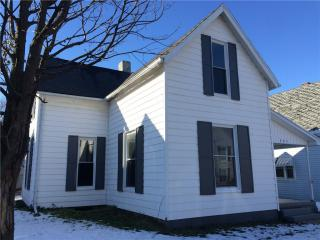 205 Woodlawn Pl, Crawfordsville, IN 47933