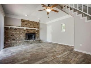 4530 White Oak Ln, Fort Worth, TX 76114