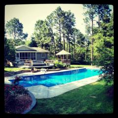675 E Hedgelawn Way, Southern Pines, NC 28387