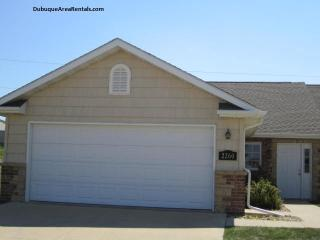 2260 Fawn View Dr, Asbury, IA 52002