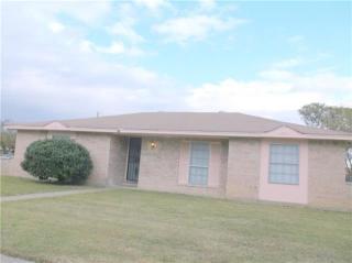 833 Cherry Hills Dr, Lancaster, TX 75134