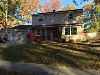 4958 Hollyview Dr, Vermilion, OH 44089