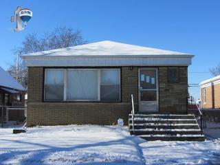 14438 S Hoxie Ave, Burnham, IL 60633
