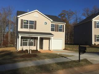 1029 Swearngan Ridge Ct, Charlotte, NC 28216
