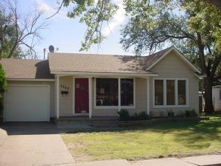 2242 Hamilton St, Pampa, TX 79065