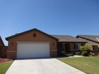 12215 Hawksmoor St, Bakersfield, CA 93311
