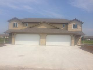 2700 Buttonwood Dr, Manhattan, KS 66502