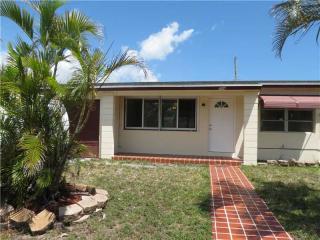 594 W 5th St, Riviera Beach, FL 33404