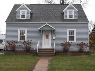 2009 15th Ave, Menominee, MI 49858