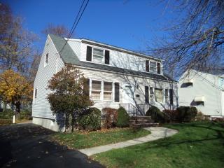 35 Shady Ln, Fanwood, NJ 07023