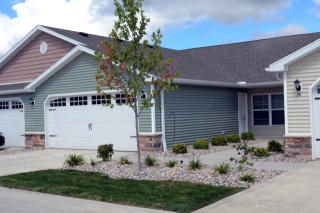 26800 Woodmont Dr, Perrysburg, OH 43551