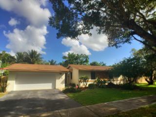 10325 SW 128th Ct, Miami, FL 33186