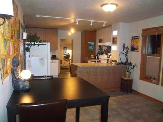 528 Central Ave S, Minot, ND 58701