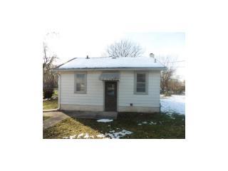 1515 E 36th St, Des Moines, IA 50317