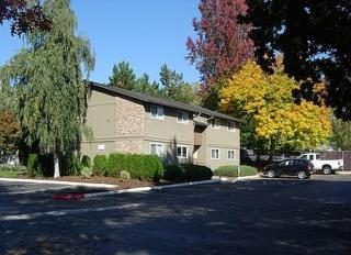 4532 SE Roethe Rd, Portland, OR 97267