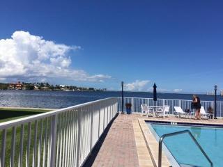 410 Wilma Cir, Riviera Beach, FL 33404