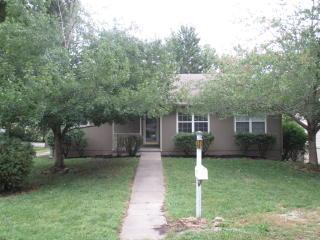 1013 Jackson St, Leavenworth, KS 66048