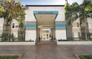 1200 W Riverside Dr, Burbank, CA 91506