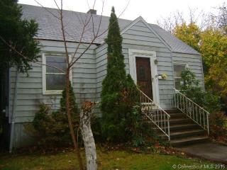 17 Pardee Place Ext, East Haven, CT 06512