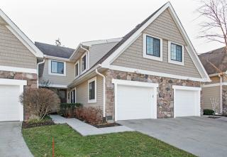 2527 Windsor Lane, Northbrook IL