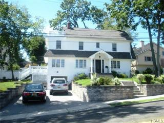 94 Colonial Pkwy, Yonkers, NY 10710