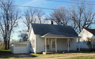 1425 N Johnston Ave, Springfield, MO 65802