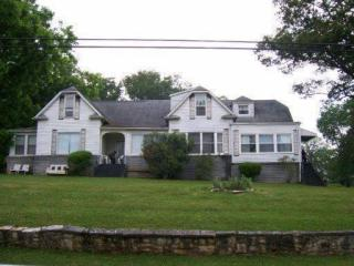 2425 Woodrow Dr, Knoxville, TN 37918