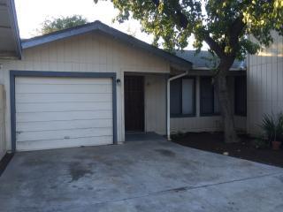 5227 E Liberty Ave #102, Fresno, CA 93727
