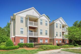 10017 Season Grove Ln, Charlotte, NC 28216