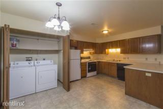 310 W Rockwell Ave, Fort Atkinson, WI 53538