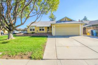 100 Columbia Dr, Vacaville, CA 95687