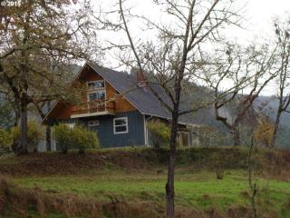 979 Evergreen Ridge Road, Riddle OR