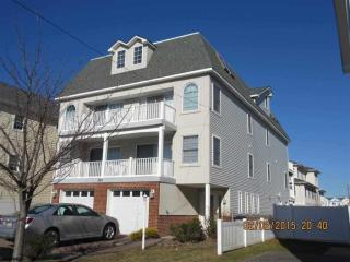 203 N Jefferson Ave, Margate City, NJ 08402